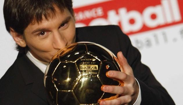 Όταν ο Μέσι σήκωνε την πρώτη του «Χρυσή Μπάλα»