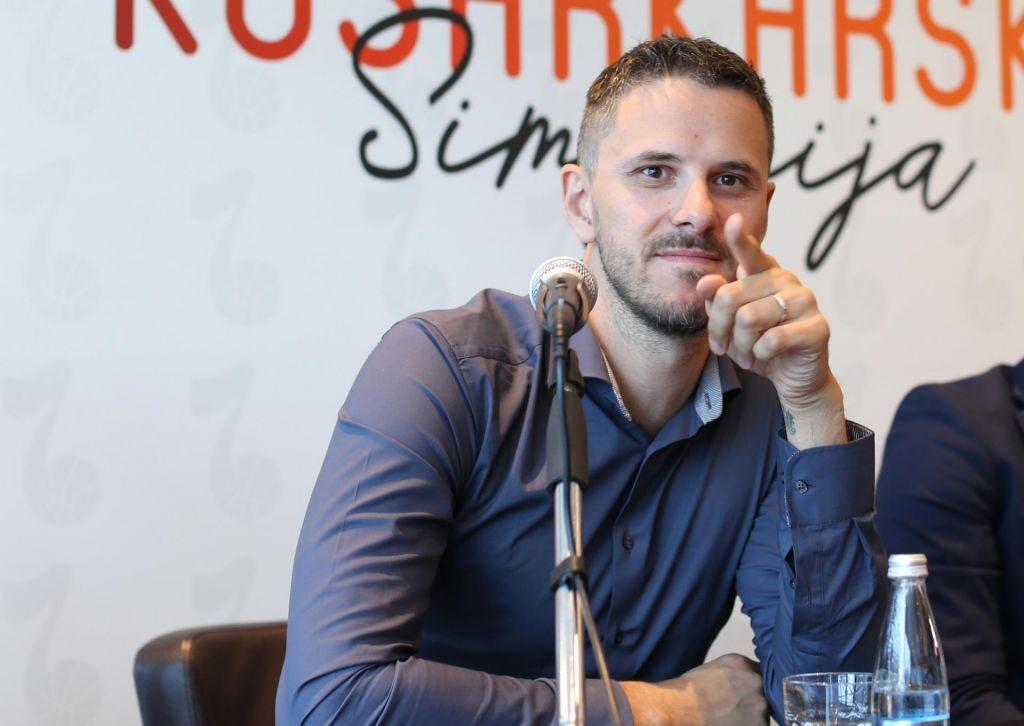 Ο Μπόστιαν Νάχμπαρ Στο Debut.gr: «Φαινόμενο ο Ντόντσιτς, έχει ήδη πετύχει πολλά στη καριέρα του ο Αντετοκούνμπο»